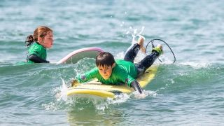 2020-surf-enfant-ISO-B²-StudioBcarre Baptiste Blanchard