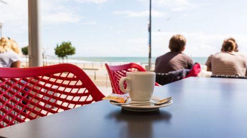 Terrasse Cafe_Baptiste Blanchard