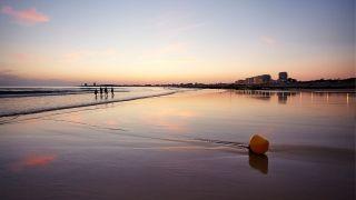 Grande-Plage-Soleil-couchant-2---Credit-A-Lamoureux-Vendee-Expansion